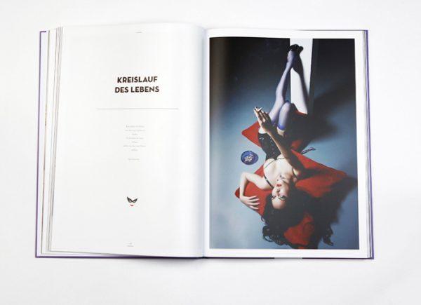 PHOTOS, LOVE & STORIES Limited Picture Cover Edition: Eine Anthologie mit Fotografien von Carlos Kella und Texten von 14 Weggefährten. Vorzugsausgabe