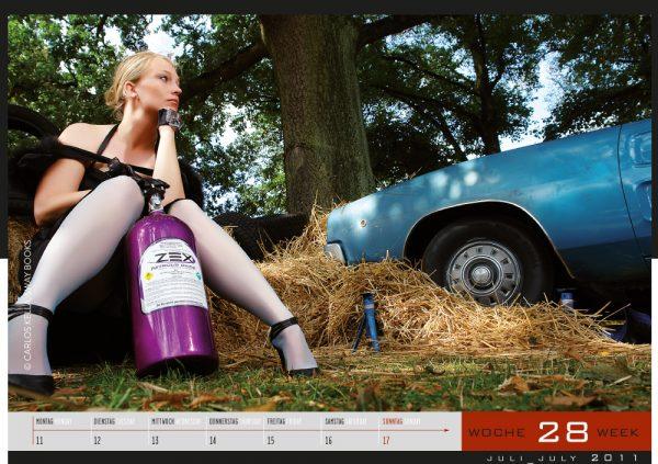 Girls & legendary US-Cars 2011 Wochenkalender von Carlos Kella mit 52 Kalenderblättern, 22 Models und 43 US-Oldtimern. Limitiert
