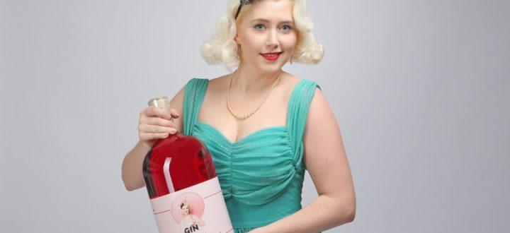 The Taste of Carlos Kella: Gin La Femme in der 4,5 Liter Maxi-Flasche. Eine Flasche reicht für alle! Das perfekte Geschenk für Hochzeiten, Geburtstage und andere Gelegenheiten.