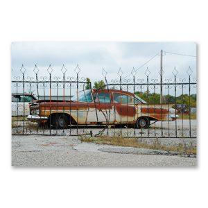 """Grossdruck """"Motherroad"""" auf Aludibond: Oldtimer Fotografie von Carlos Kella im Format 150 x 100 cm mit Wandaufhängungen. Aufgenommen am Rande der Route 66"""