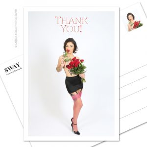 "Postkarte ""Thank you!"" – Ein kleines Dankeschön in Postkartenform. Model: Burlesque-Perfomer Artisia Starlight, Foto: Carlos Kella"