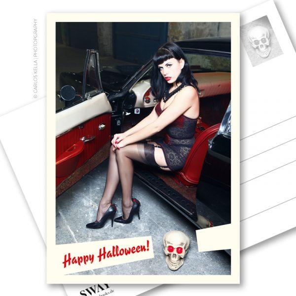 """Postkarte """"Happy Halloween!"""" – Der Postalische Gruß zu Halloween im B-Movie-Look. Zombierella von der russischen Surf-Band Messer Chups und ein Studebaker Avanti von 1963"""