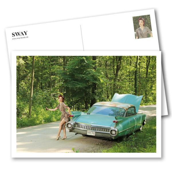 Postkarte Miss Stacey: Ein postalischer Gruß für US-Car- und Modern Pin-up Fans mit Kalender-Covergirl Miss Stacey und ein Cadillac Sedan DeVille von 1959