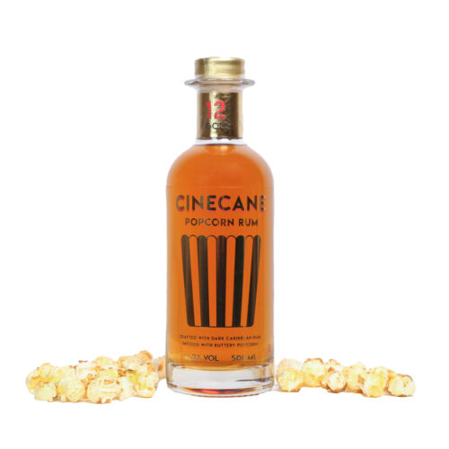 """CINECANE Popcorn Rum Gold riecht nach frischem Popcorn mit Röstaromen vom Mais und Noten von Nougat, Vanille und Karamell. """"The Taste of Cinema""""."""